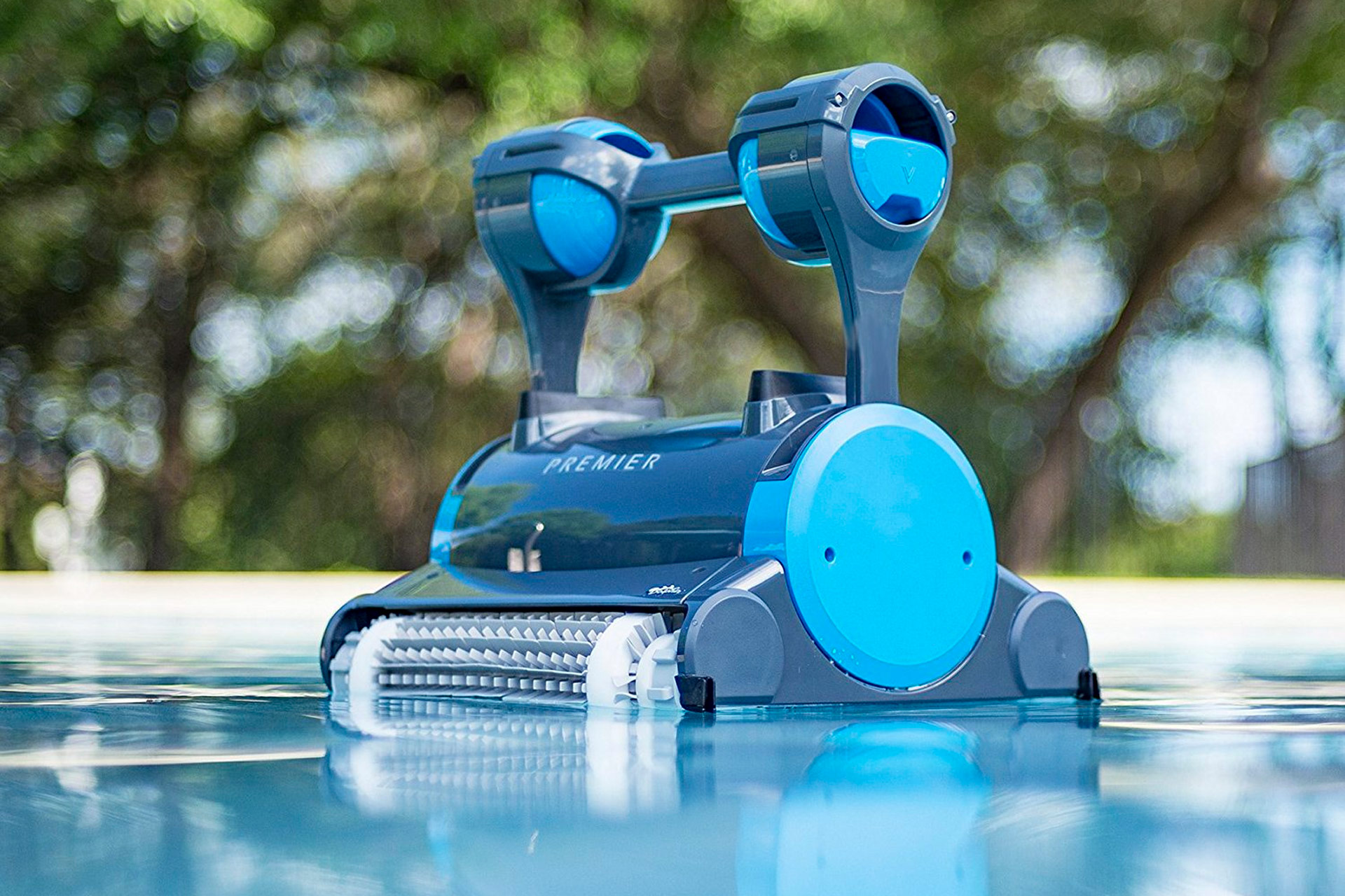 robotic pool cleaners the future of leisure maintenance. Black Bedroom Furniture Sets. Home Design Ideas