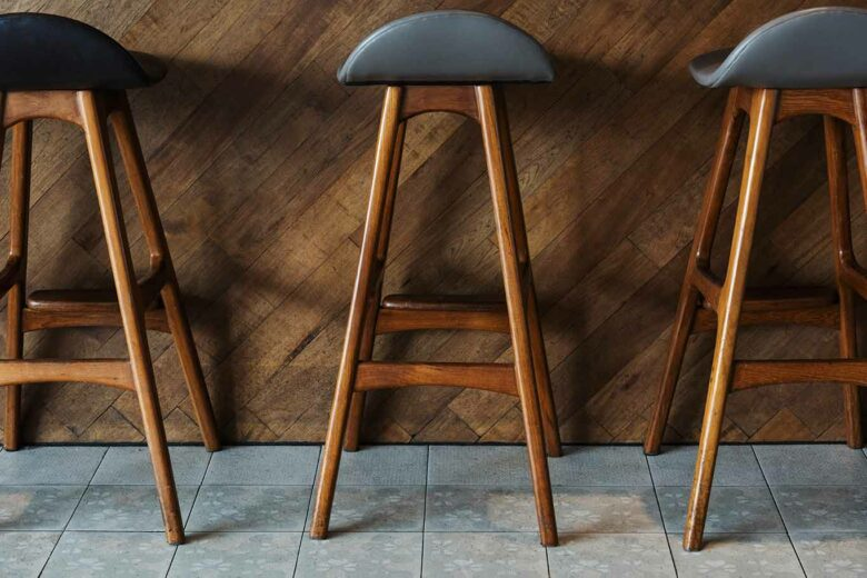 barstool height and width measuring guide